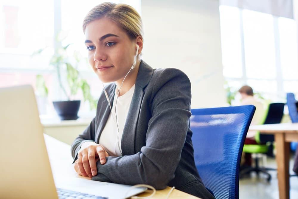 Employee videos for internal communications